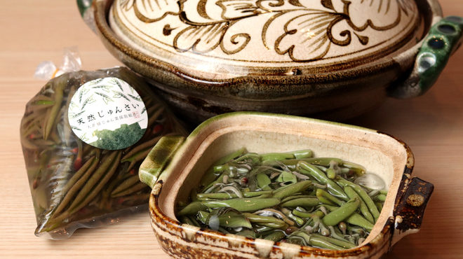 石山寿司のじゅんさい鍋
